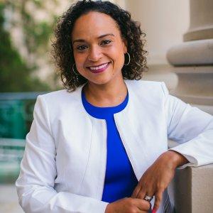 Photo of Dr. Nicole Pulliam
