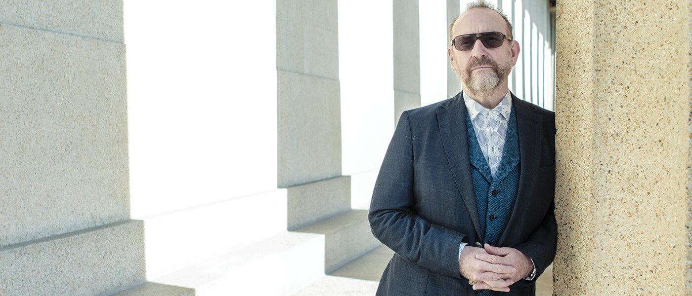 Photograph of singer-songwriter Colin Hay