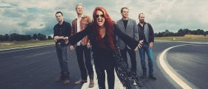 Wynonna& The Big Noise