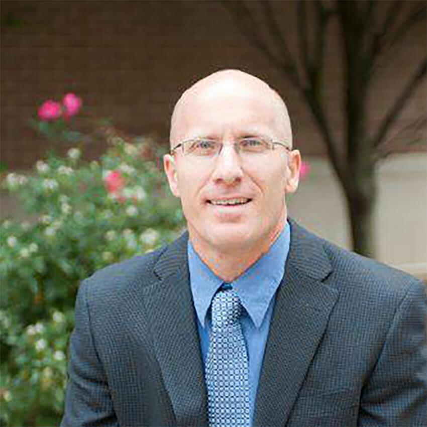 Headshot Photo of Chris Hirschler