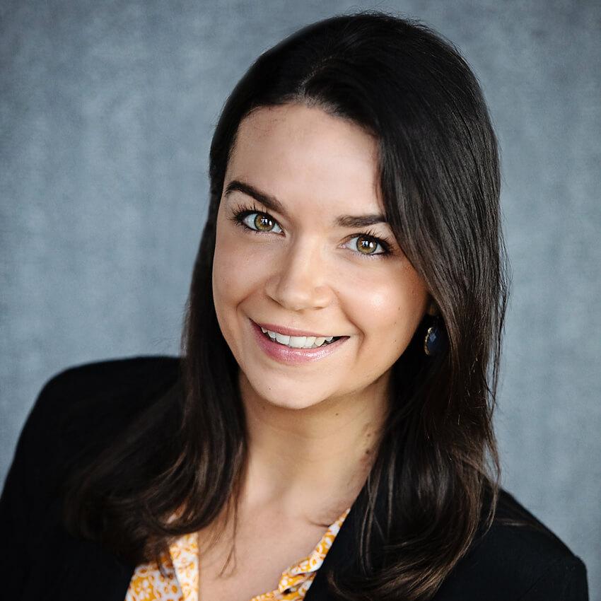 Photo of Melissa Alvare: Click for Faculty Profile