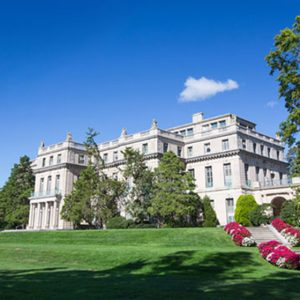 Monmouth University Featured in the Princeton Review's The Best 382 Colleges – 2018 Edition