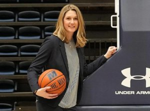 Boggess is new women's BB head coach