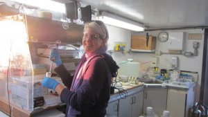 Photo of MU Alum Josette Hutcheson in the lab