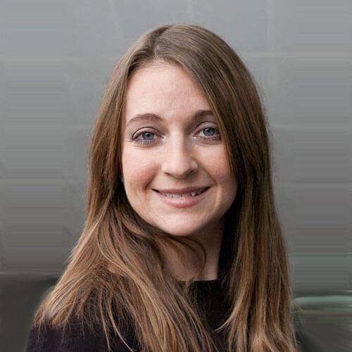 Headshot of Lisa Dinella